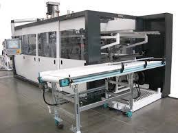 Automazione macchina per la produzione di bicchieri in plastica